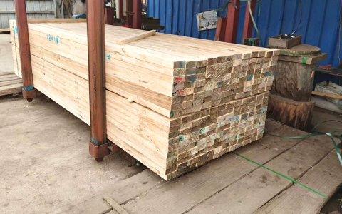 建筑方木和木跳板有什么区别?厂家解析