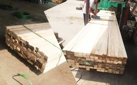 南昌客户-5.9米铁杉木方4.5*6.5规格木方