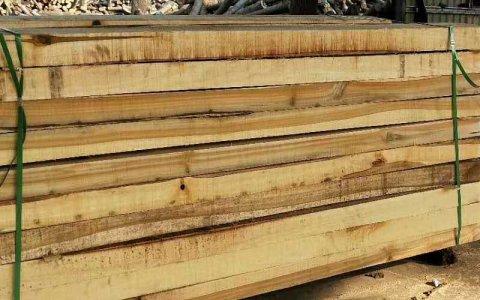 建筑用木材主要是什么材料?